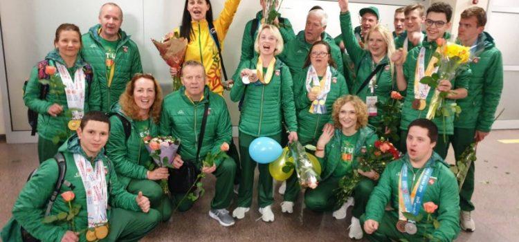 Iškilmingai sutikti pasaulio vasaros specialiosios olimpiados žaidynių dalyviai
