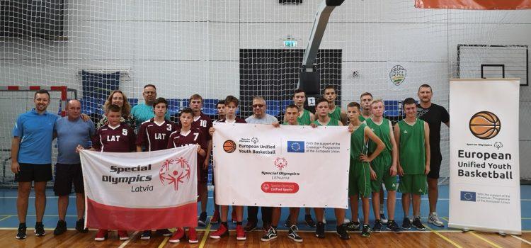 SO Europos jungtinio krepšinio jaunių parodomoji krepšinio treniruotė ir draugiškos krepšinio varžybos tarp Lietuvos ir Latvijos specialiosios olimpiados sportininkų