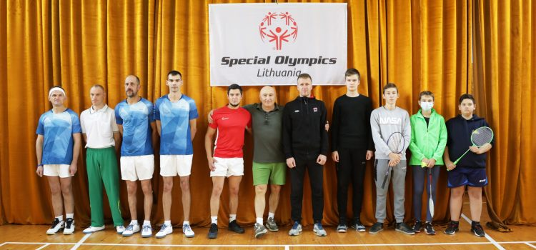 Integruotos badmintono varžybos, I diena